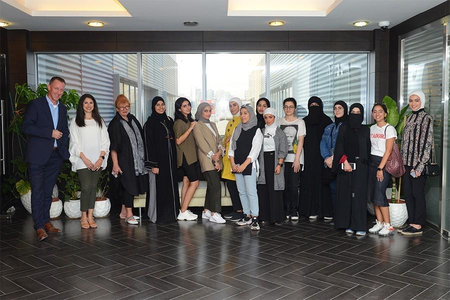 الشراكة مع العقول الشابة اللامعة في جامعة الكويت
