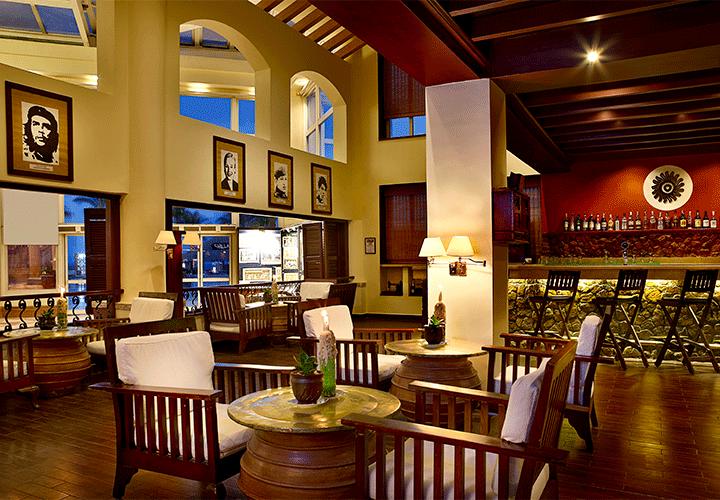 Latinos Bar